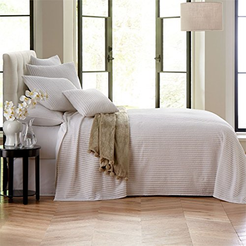 BrylaneHome Chenille Bedspread (White,King)