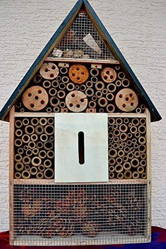 Maison en France Insektenhaus, großes sehr stabiles Insektenhaus aus Holz 50 cm, mit grünem Holzdach Stellen oder Aufhängen, frostsicher