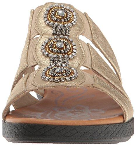 Easy Street Womens Nori Flat Sandal Soft Gold