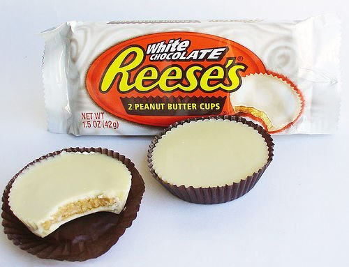 REESE'S White Peanut Butter Cups, 1.5 Ounce (Pack of ()