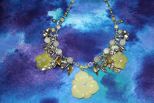 Triple Grn Jade Flower Necklace Flowers Jade Necklace