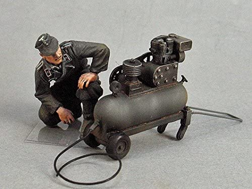 tahkタンク1 : 35 GermanタンクCrewman W /コンプレッサー樹脂図キット# t35130