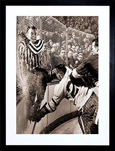 Framed Vintage Picture (Sport Vintage Photo ICE Hockey SLAM Howe Hannigan Framed Art Print & F12X1118)