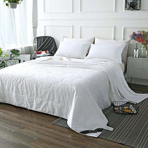ZIMASILK Mulberry Silk Comforter with Cotton Covered Filled by 100% Long Grade Mulberry Silk,Silk Duvet for All Season(Queen 88''x88'', White)Total Weight 4.95ib. by ZIMASILK