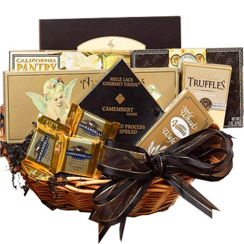 Art of Appreciation Gift Baskets Classic Gourmet Food and Snacks Set, Small (Candy)