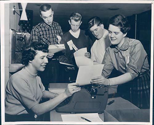 1956 Press Photo Historic Sonja Vukov Karen Johnson Benjamin Franklin Hotel 8x10