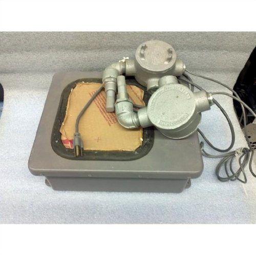 International Sensor Technology AG2002 Toxic and Combustible Gases Monitor