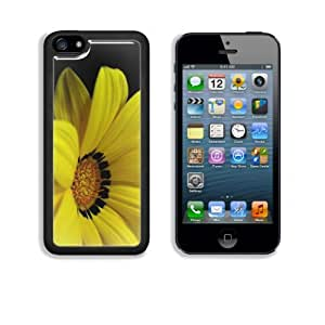 Single Yellow Gerbera Flower Apple iPhone 5C Snap Cover Case Customized Made to Order Support Ready Premium Aluminium Deluxe Aluminium 5 inch (125mm) x 2 3/8 inch (62mm) x 3/8 inch (12mm) Liil iPhone 5C Professional Cases Touch Accessories Graphic Covers Designed Model Folio Sleeve HD Template Designed Wallpaper Photo Jacket Wifi 16gb 32gb 64gb Luxury Protector Wireless Cellphone Cell Phone