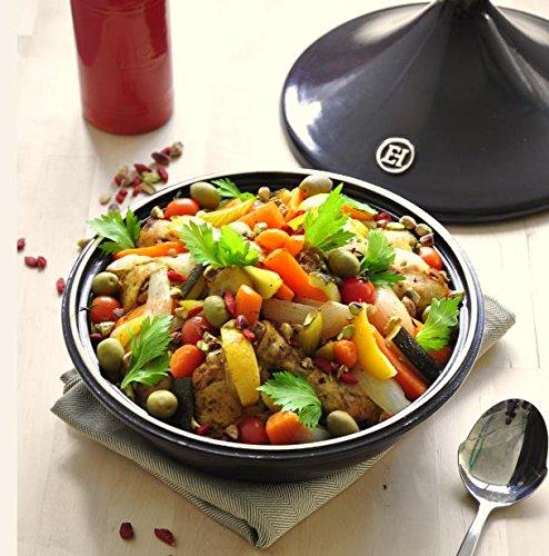 Leckeres Gemüse Gericht in einer Tajine