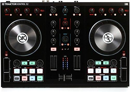 (Native Instruments Traktor Kontrol S2 MK2 DJ Controller)