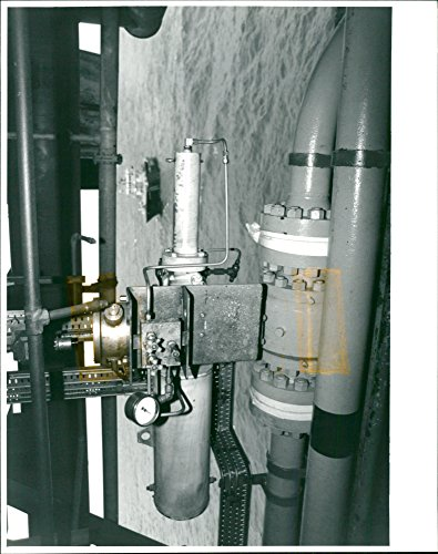 Shutdown Valve - Vintage photo of AN EMERGENCY sHuTDoWN VALVE (Esv) ON THE CLAYMORE PLATFORM. ALL oF CLAYHORE39;S ESv39;S WERE RELOCATED