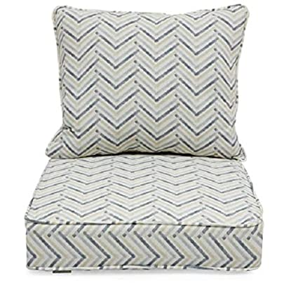 Incredible Amazon Com Off White Gray Geometric Chevron Stripe Outdoor Gmtry Best Dining Table And Chair Ideas Images Gmtryco
