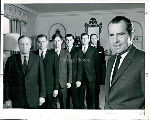 Press Photo Politics Richard Nixon President Vintage Suit Tie Office 8X10