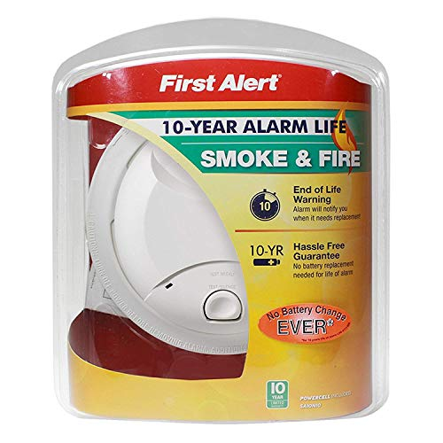First Alert 0827B 10-Year Battery Powered Smoke Detector