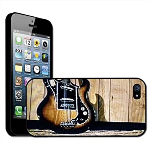 Fancy A Snuggle - Carcasa rígida para iPhone 5, diseño de guitarra eléctrica