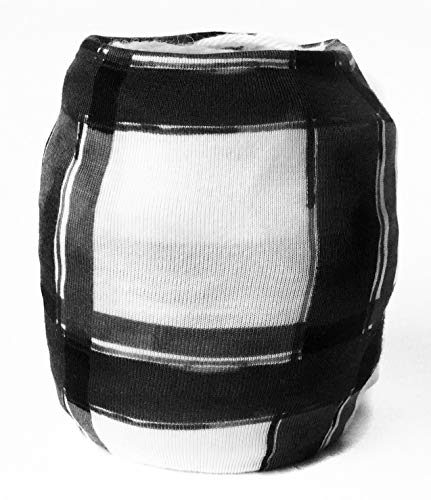 (Black & White Plaid Yarn Sleeve )