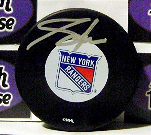 Autograph Warehouse 259543 Adam Graves Autographed Hockey Puck - New York Rangers 1994 Stanley Cup