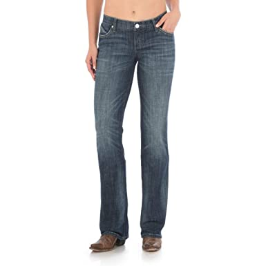 81abccbe510 Wrangler Women s Shiloh Cowgirl Cut Ultimate Riding Jean at Amazon ...
