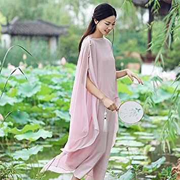 Kleidung rosa farben