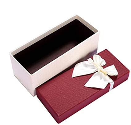 Una caja de embalaje de regalo de cumpleaños Caja de ...
