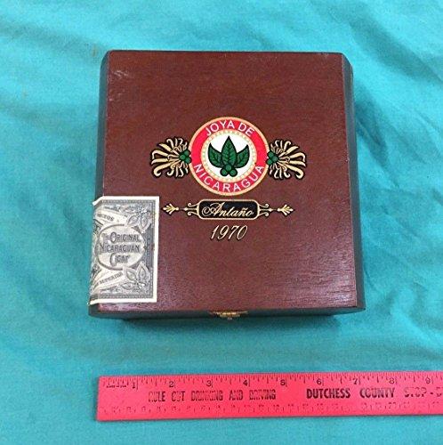 Vintage Joya De Nicaragua Cigar Box Wood Antano 1970 Belicoso Seal Empty