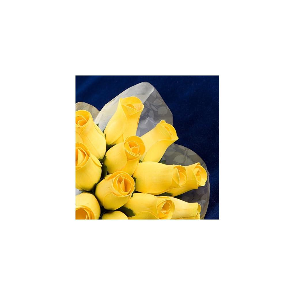 Bakers-Dozen-Bouquet-of-13-Yellow-Wood-Roses