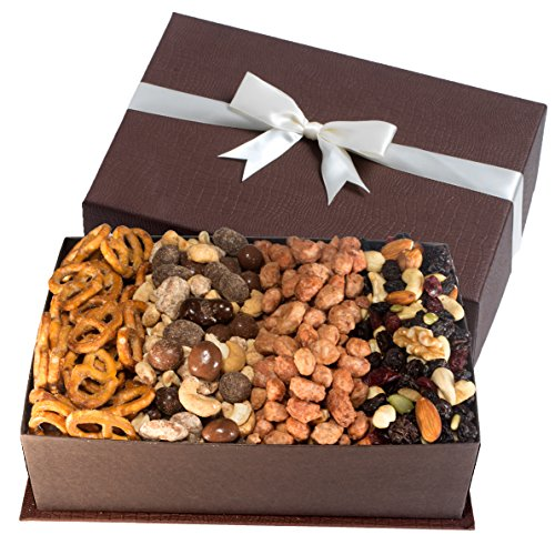 - Gourmet Fruit and Nut Gift Tray