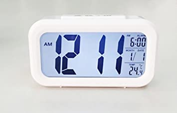 Digital LCD Display Projection Wecker Alarmwecker LED Melodie Farbwechsel Uhr DE