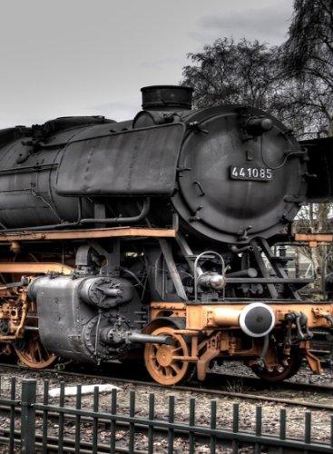 or Magnet - Old Steam Locomotive Train Engine on Tracks ()