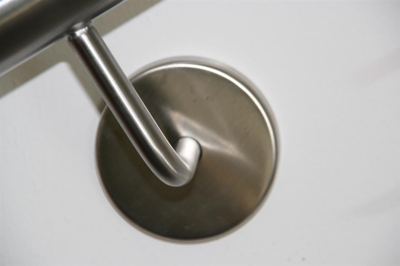 UNGETEILT 3300 mm Edelstahl Handlauf V2A 33,7mm 240K geschliffen Wandhandlauf mit leicht gew/ölbter Endkappe