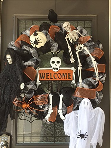 HALLOWEEN Welcome Wreath – Sinister Door Décor (Skulls, Skeletons, Spiders & ()