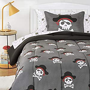 51CVy1%2BcZ7L._SS300_ Pirate Bedding Sets and Pirate Comforter Sets