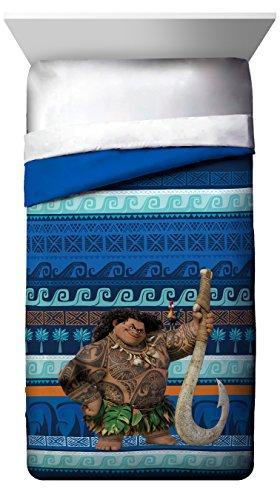 Disney Moana Maui & Heihei Twin/Full Reversible Comforter...