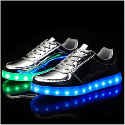 (Present:kleines Handtuch)JUNGLEST Unisex Damen Herren USB-Lade LED leuchten Glow Schuhe Luminous Sportschuhe Lovers Flashing Tu Silber