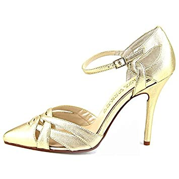 6ccbbffa3 Amazon.com  E! Live From The Red Carpet Womens Luann Pointed Toe ...