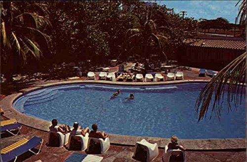 Hotel Oasis Swimming Pool Playa de Varadero, Cuba Original Vintage Postcard