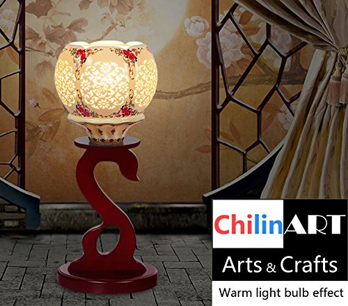 Romantic lamp, color beautiful light, geometry line of flowers, as well as of hand-painted patterns, carving, table lamp with swan shaped base