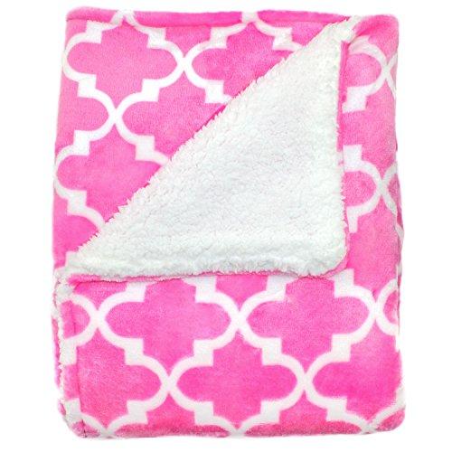 Cozy Fleece Blanket Lattice Design