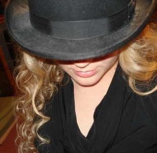 Angela Roquet