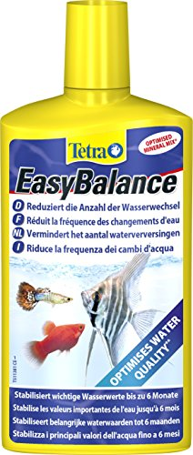 Tetra EasyBalance (Langzeitpflege für biologisch gesundes Aquariumwasser und eine reduzierte Anzahl der Wasserwechsel), 500 ml Flasche