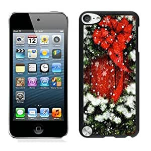 linJUN FENGFeatured Desin Christmas Wreath Black iPod Touch 5 Case 1