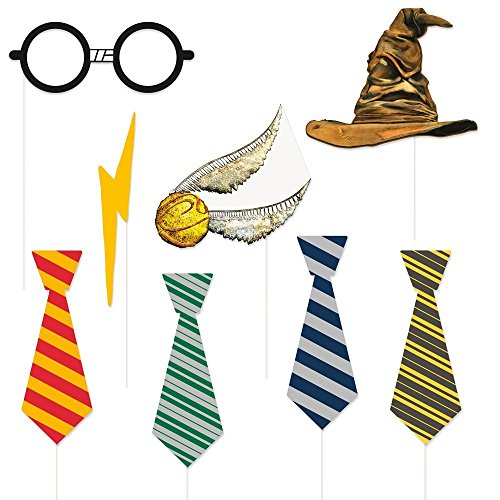 Harry Potter Children's Birthday Party Supply Set Includes 7 pc Decoration Kit and 8 pc Photo Props by Honey Badger Brands (Image #2)