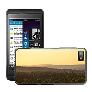 Cas Coq Case Cover // M00421404 Naturaleza Paisaje Forest Hills // BlackBerry Z10