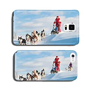 Woman musher hiding behind sleigh at sled dog race on snow in wi cell phone cover case iPhone6