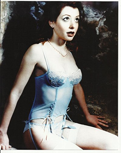 Buffy the Vampire Slayer Alyson Hannigan as Willow in Blue Outfit 8 x 10 Photo -