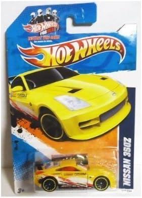 amazon com 2011 hot wheels nissan 350z yellow nightburnerz series 2 of 10 112 toys games 2011 hot wheels nissan 350z yellow nightburnerz series 2 of 10 112