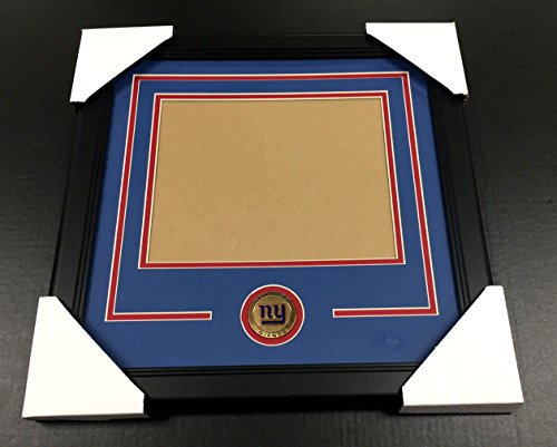 NEW YORK GIANTS Medallion Frame Kit 8x10 Photo Double Mat HORIZONTAL ()