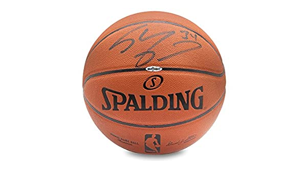 Shaquille O Neal Signed Replica Basketball c0cafa158