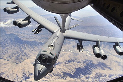 24x36 Poster . B-52H Stratofortress 2Nd Bomb Wing Refuels Afghanistan ()