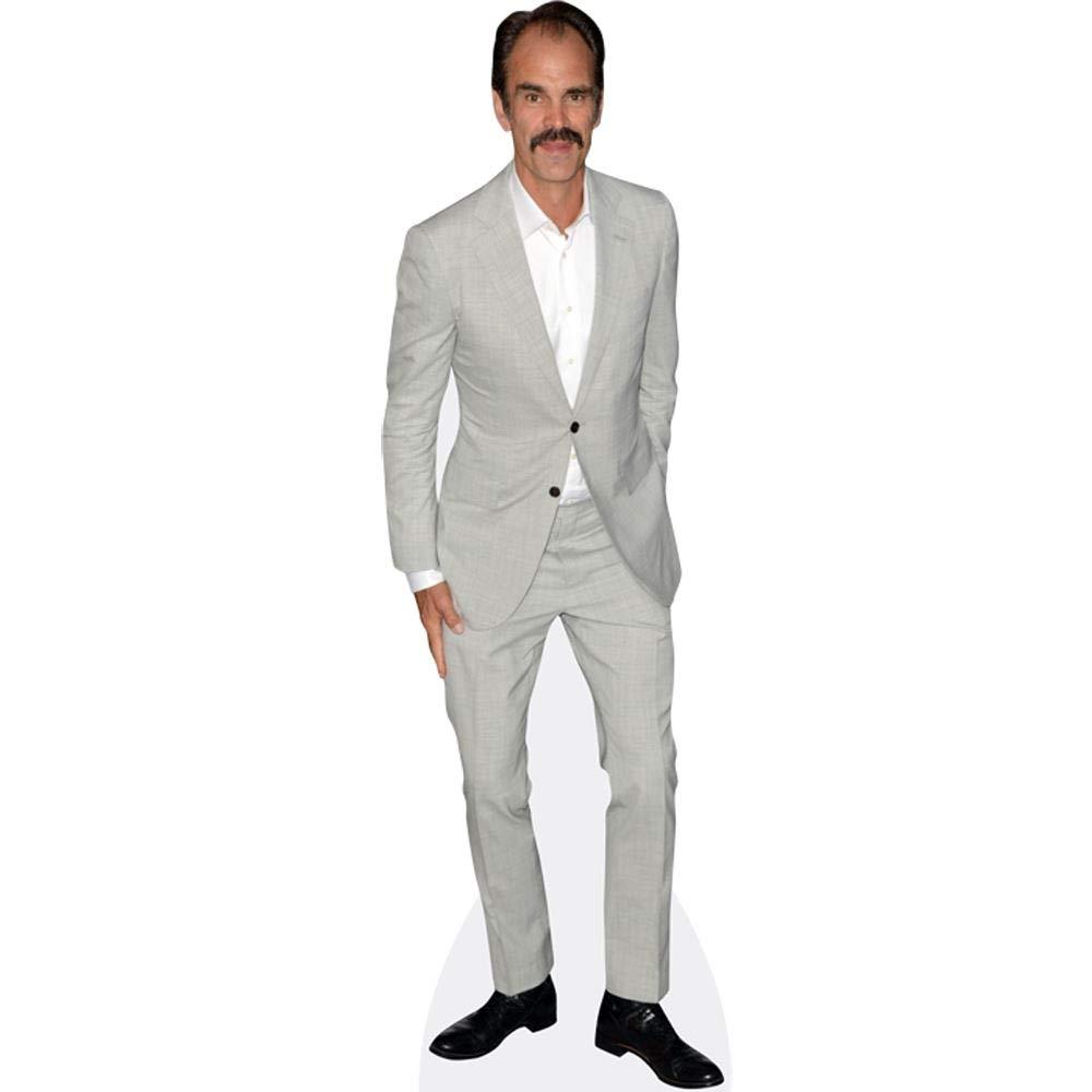 Amazon.com: Steven Ogg (traje gris) recorte de cartón ...